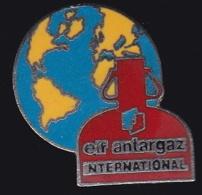 65310-Pin's.Antargaz . Filiale De L'entreprise Américaine UGI Corporation.Gaz. - EDF GDF