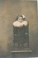 Photo-carte Découpée Jolie Fillette Debut Manteau Fourrure Pretty Young Girl - Personnes Anonymes
