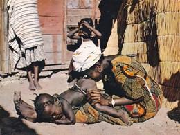 L'afrique En Couleurs VIEILLE MEDECINE LAVEMENT AFRICAIN - Postcards