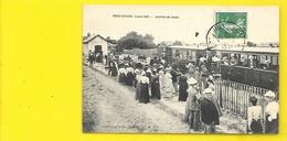 PREFAILLES Arrivée Du Train (Grand Bazar Deffain) Loire Atlantique (44) - Préfailles