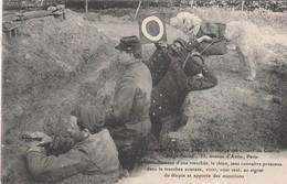 CARTE POSTALE  Le Chien Vient Apporter Des Munitions - Guerre 1914-18