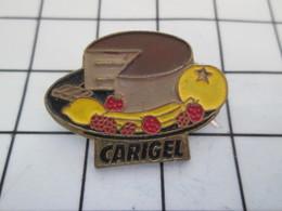 516b Pin's Pins / Beau Et Rare / THEME : ALIMENTATION / GATEAU AU CAFE ? FRUITS FRAISE BANANE FRAMBOISE POMME ? - Badges