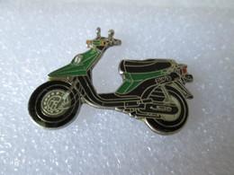 PIN'S   MOTO  SCOOTER  YAMAHA  BW'S - Motorfietsen