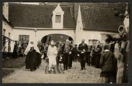 Postcard / CPA / ROYALTY / Belgique / België / Reine Elisabeth / Brugge / 1925 / Begijnhof / 2 Scans - Brugge