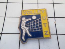 516b Pin's Pins / Beau Et Rare / THEME : SPORTS / VOLLEY-BALL CUB DE YUTZ - Voleibol