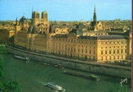Péniches - Paris (75) : La Conciergerie, Notre Dame Et La Sainte Chapelle - Péniches