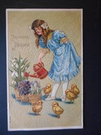 Petite Fille Arrosant Des Fleurs En Pot Avec Un Arrosoir, Poussins - Gaufrée - Série 166 - Enfants