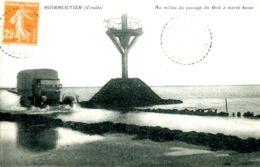 N°9195 -cpa Noirmoutier -camion Au Milieu Du Passage Du Goä - Noirmoutier