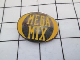 516b Pin's Pins / Beau Et Rare / THEME : MUSIQUE / MEGAMIX - Music