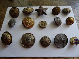 14 Vieux Boutons Militaires Ou Autres Et Une Broche Gevaert - Boutons