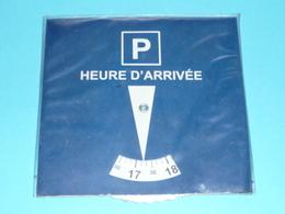 Rare Disque De Controle De Stationnement, Zone Bleue Europe Drapeaux Européens - Advertising