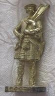 Kinder Métal 1992 N° Infanterie Irlandais SCAM - Metal Figurines