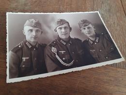 MAENNER IN DEUTSCHLAND DAZUMAL - OBERODERWITZ O.B. - ATELIER RICHTER - DREI JUNGE SOLDATEN - AUSZEICHNUNGEN - Guerre, Militaire