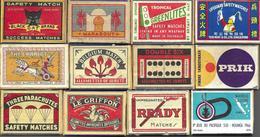 Lot De Plus De 300 Boites Et Pochettes D'allumettes Issues Du Monde Entier, Dont Inédites Et Des Doubles - Matchboxes