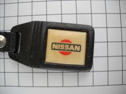 1031 Porte Clefs  NISSAN     Automobile  Anneau Et Mousqueton - Key-rings