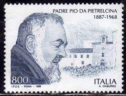 ITALIA REPUBBLICA ITALY REPUBLIC 1998 ANNIVERSARIO DELLA MORTE DI PADRE PIO DA PIETRELCINA LIRE 800 MNH - 1991-00:  Nuovi