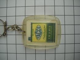 1015 Porte Clefs YACCO  (bidon D'huile Automobile) Huile Des Records Du Monde - Key-rings