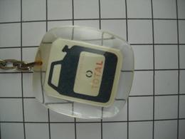 1016 Porte Clefs TOTAL  (bidon D'huile Automobile) - Key-rings