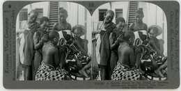 Africa Tanzania ~ BANTU SWAHILI BEAUTY PARLOR ~ Stereoview 34180 846ax NEAR MINT - Stereo-Photographie