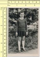 REAL PHOTO Girl Smiling Kid Child Portrait, Fille Souriante Enfant ORIGINAL VINTAGE SNAPSHOT PHOTOGRAPH - Persone Anonimi