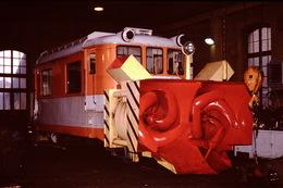 Photo Diapo Diapositive Slide Train Wagon Locomotive Chasse Neige SNCF Z 691 à St Gervais En 1992 VOIR ZOOM - Diapositives