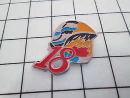 616B Pin's Pins / Beau Et Rare / THEME : POMPIERS / CASQUE F1 LE 18 - Firemen