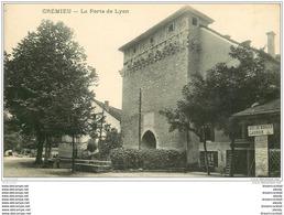 38 CREMIEU. Porte De Lyon. Boulodrome Carrier Jeux De Boules - Crémieu