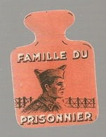 EPINGLETTE / INSIGNE CARTON / 2EME ANNIVERSAIRE DE LA LEGION FRANCAISE DES COMBATTANTS 30 AOUT 1942 / PETAIN    C344 - Militaria