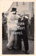 Carte Postale  - Photo - Montreur - OURS Blanc Déguisé -  En Allemagne - Photographie