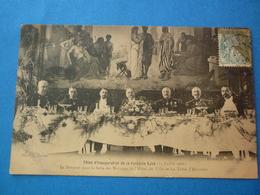 51 - CPA  REIMS FETES D'INAUGURATION DE LA FONTAINE SUBE LA TABLE D'HONNEUR VOYAGEE 1906 TRACES COINS - Reims