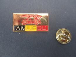 PIN'S (M2001) POMPIERS - AMUFEU (1 Vue) Les Amis Du Musée Du Feu - Brandweerman