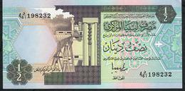 LIBYA   P58c   1/2  DINAR   1991    UNC. - Libië
