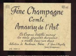 Etiquette De    Fine  Champagne  Comte Amaury De L'Ast  -  Audouin à Saint Jean D'Angély  (17) - Etichette