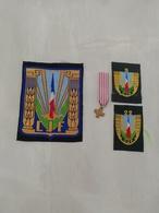 17378  MILITARIA LOT INSIGNES TISSUS ET  REDUCTION DECORATION CIVILE OU MILITAIRE - Medals
