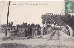 02 PONTAVERT  Les Deux Ponts Sur Le Canal , Gendarme Parmi Les Personnages - Autres Communes
