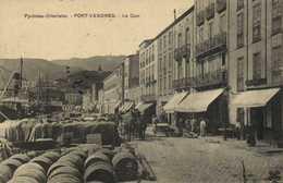 Pyrénées Orientales PORT VENDRES  Le Quia Belle Animation Attelage Bateau Commerces Barriques RV - Cerbere