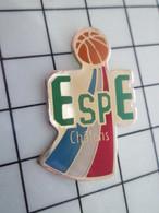 1120 Pin's Pins / Beau Et Rare / THEME : SPORTS / BASKET-BALL ESPE CHALONS Sur Saone Ou Sur Marne ??? Soyez Précis !! - Baloncesto