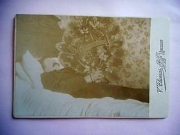 PHOTO GRAND CDV POST MORTEM HOMME  Cabinet THOMAS A MIRECOURT - Anciennes (Av. 1900)