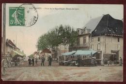 Les Abrets Place De La République Animée - Route De Lyon * Isère 38490 * Les Abrets-en-Dauphiné  - Marché - Les Abrets
