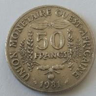 Afrique De L'Ouest - 50 Francs - 1981 - - Monedas