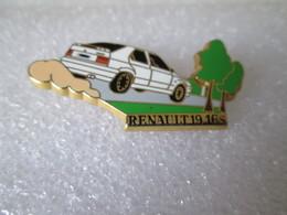 PIN'S    RENAULT  19  16 S  ARTHUS  BERTRAND - Renault
