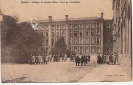 59 Douai  Collége De Jeunes Filles Cour De Récréation - Douai