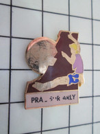 1120 Pin's Pins / Beau Et Rare / THEME : SPORTS / ALPINISME ESCALADE PRA-SUR-ARLY - Alpinisme