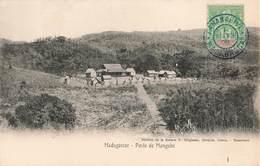 Madagascar Poste De Mangabé + Timbre Madagascar Et Dependances Cachet Bleu 1908 - Madagascar
