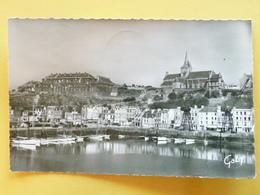 V10-div--dep.. 50-manche--granville- Port-les Casernes-eglise Notre Dame--beau Timbre-1956 - Granville