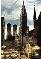 AK-Dok III -   München - Rathaus Und Türme Der Frauenkirche - Muenchen
