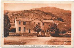 04 SAINT VINCENT SUR JABRON - La Place Et Les Ecoles - Autres Communes