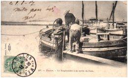 83 TOULON - Le Scaphandre à Sa Sortie De L'eau - Toulon