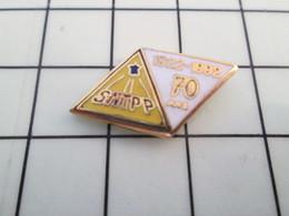 813F Pin's Pins / Beau Et Rare / THEME : MARQUES / LOSANGE SNTPP 70 ANS 1922 - 1992 - Motos