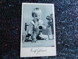 Petit Enfant Et Sa Poupée, Hartelyk Gefeliciteerd    (B10) - Jeux Et Jouets